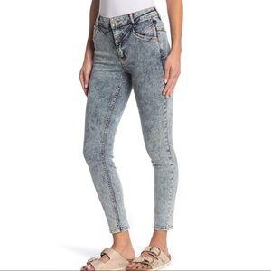 FREE PEOPLE Riley Seamed Skinny Jeans Acid Wash